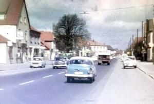 Der überörtliche Verkehr der B6 und B51 floss in den 1960er-Jahren durch Brinkums Ortsmitte.